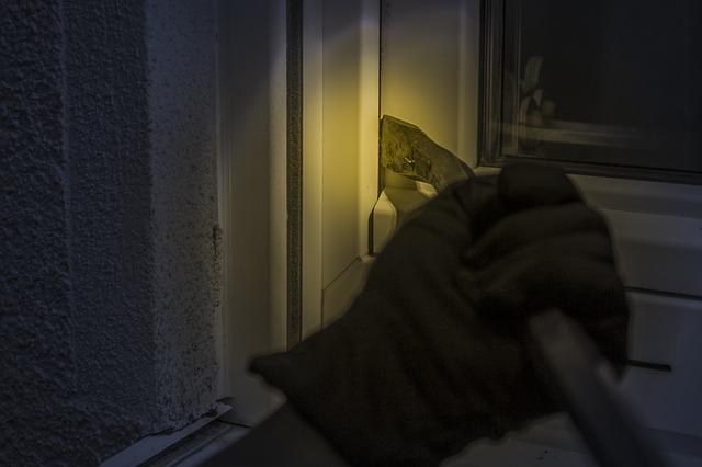 tmavá rukavice
