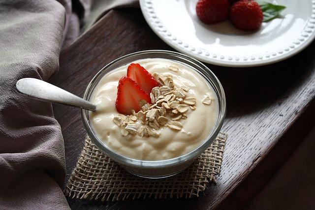 jogurt s jahodami