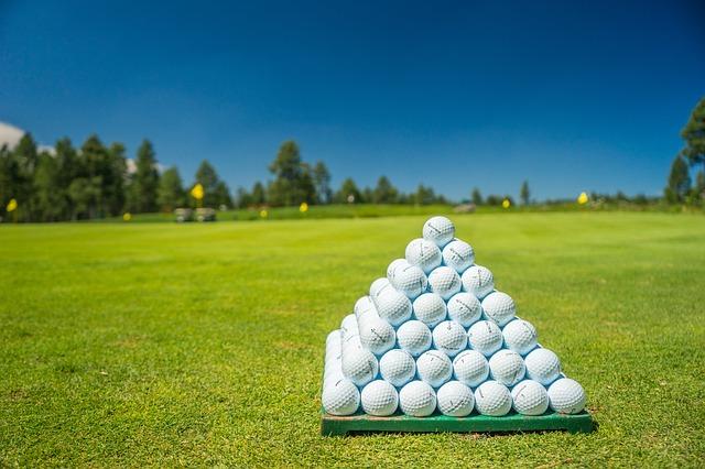 golfové míčky